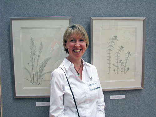 ouise Lane (GM 2012 and 2014) pictured in 2012 with two of her Gold Medal winning collection of nine pencil drawings of Native Ferns of the Peak District